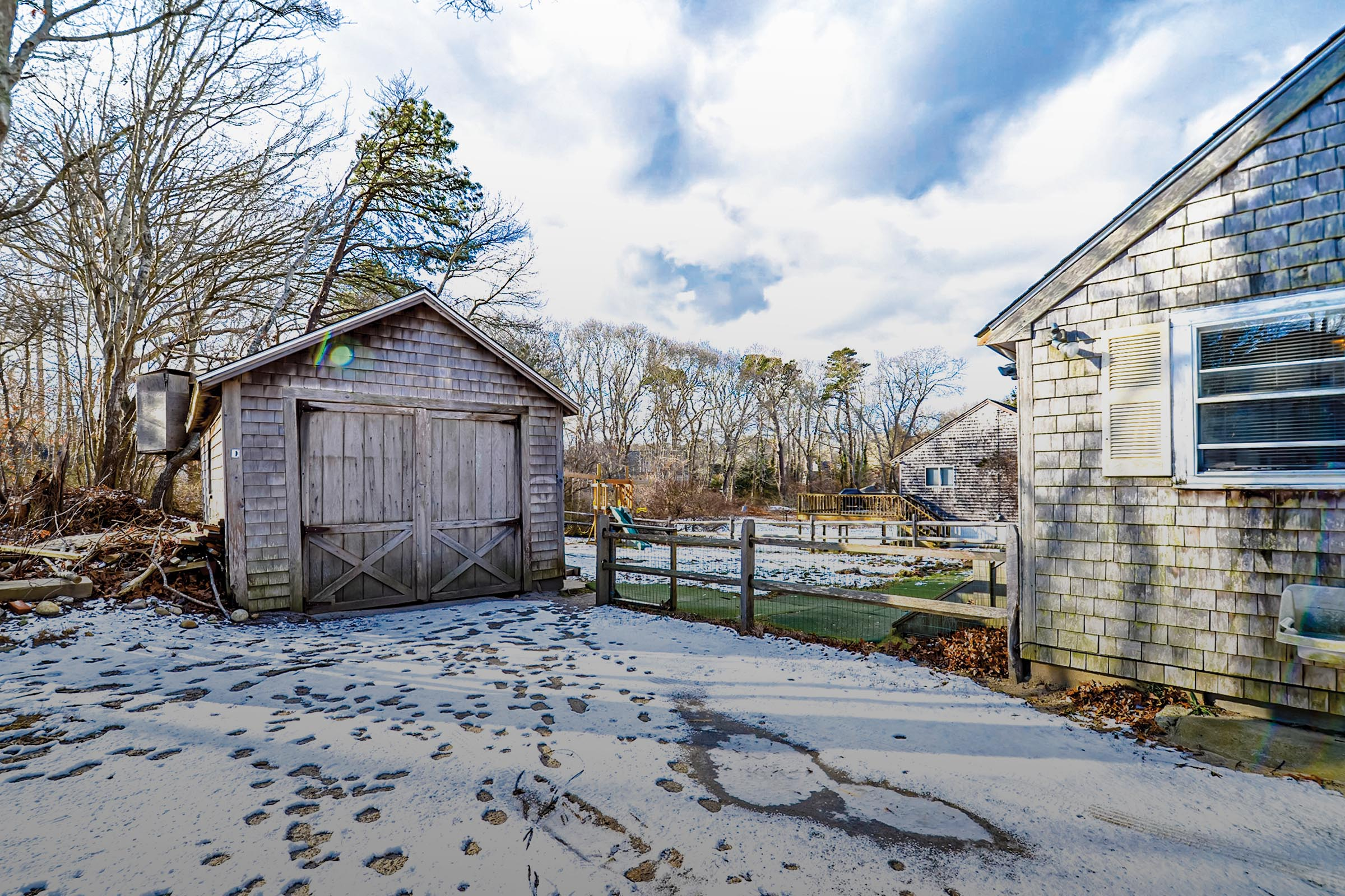 84 Lake Street- Vineyard Haven For Sale
